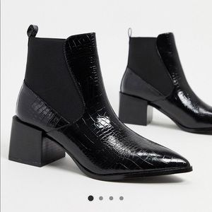Raid Black Croc Chelsea Boots